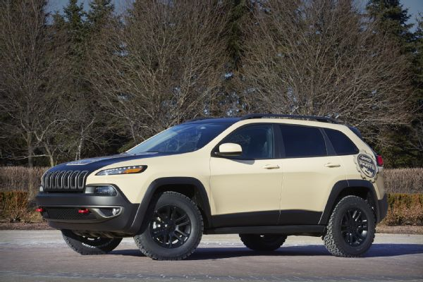 jeep-cherokee-canyon-trail-concept-front-three-quarter