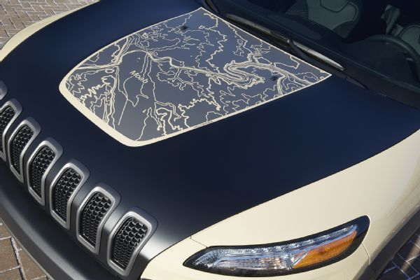 jeep-cherokee-canyon-trail-concept-hells-revenge-map-hood