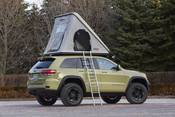 jeep-grand-cherokee-overlander-concept-rear-three-quarter