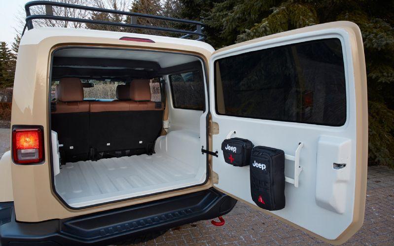 jeep-wrangler-africa-concept-rear-interior